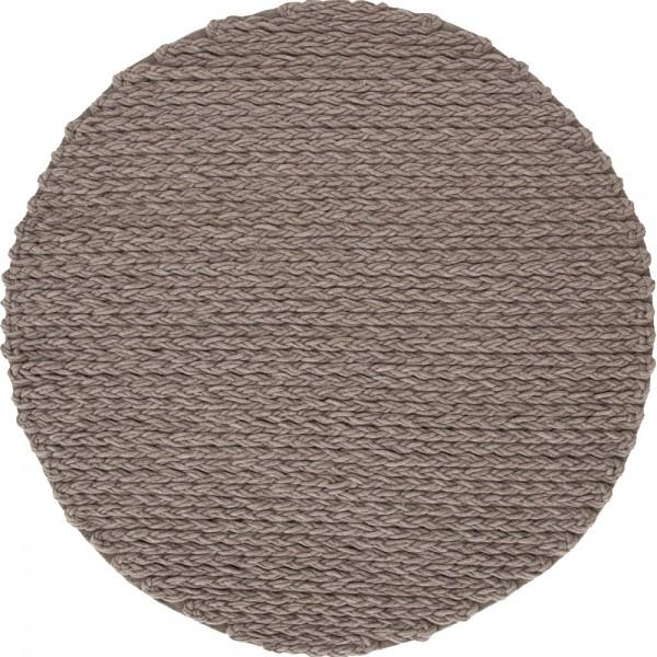 trenzas-spaces-circular-taupe-rug