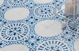 WOW — Blanc Et Bleu Antique Décor 1