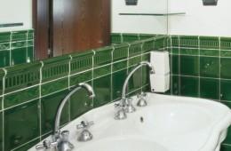 Etruria — Victoria Diamantato Emerald Green